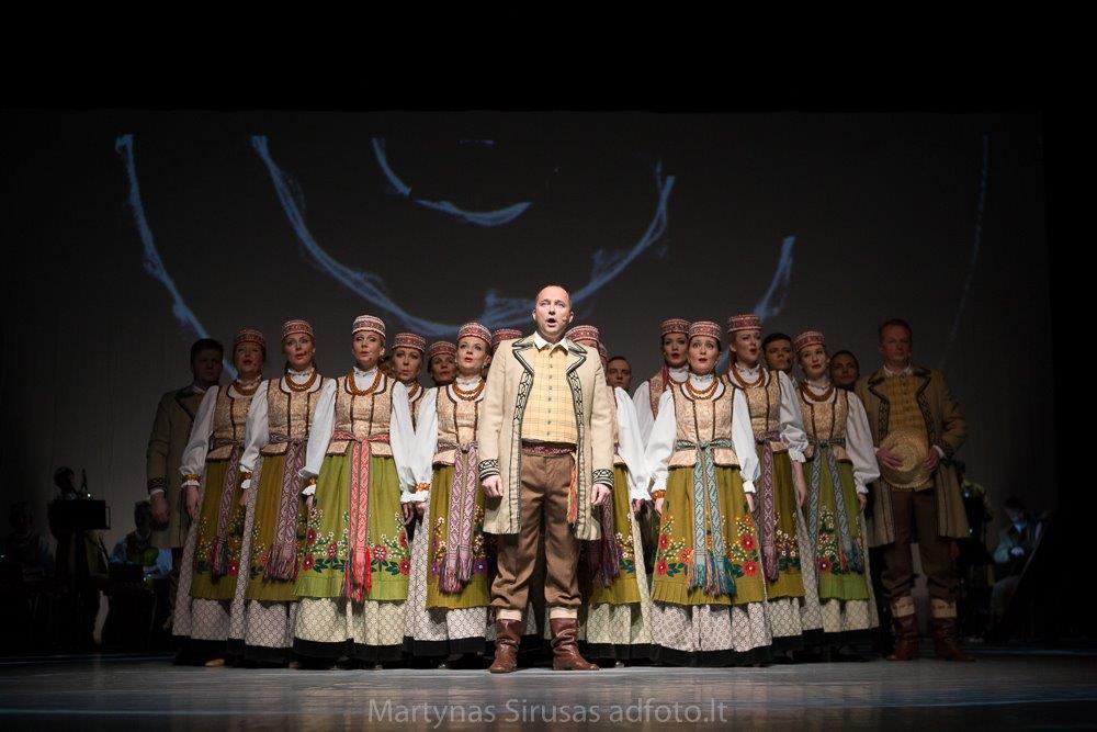 """Ansamblio """"Lietuva"""" dovana neįgaliesiems"""