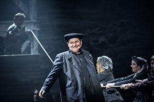 """G.Arbačiauskas koliažinėje operoje """"Mažvydas""""_M.Vitėno nuotr."""